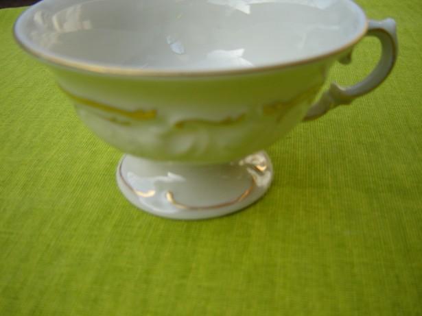 Frumoasa ceasca de cafea KPM
