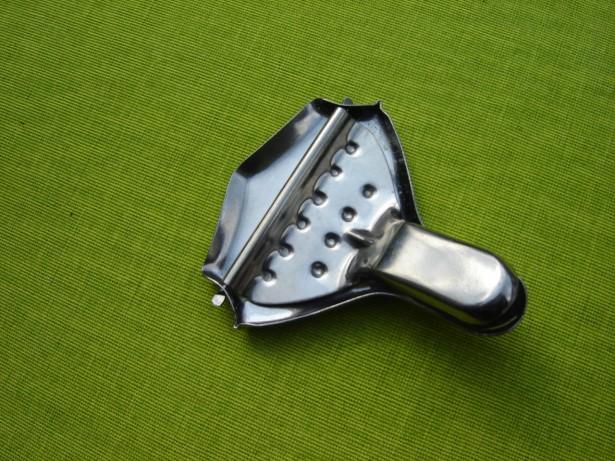 Dispozitiv pentru stors lamaie