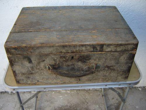 Cufar vechi din lemn 1