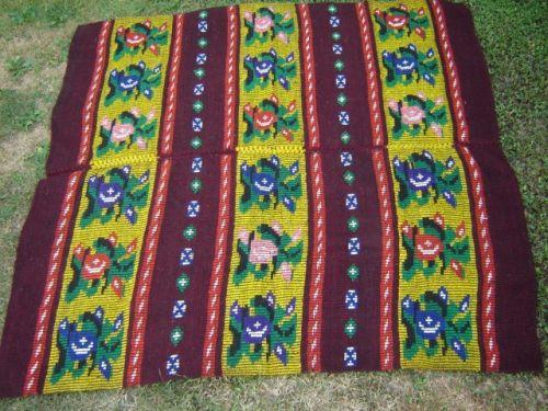 Covor de pat vechi tesut din lana 2